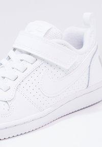 Nike Sportswear - COURT BOROUGH - Tenisky - white - 5