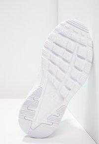Nike Sportswear - HUARACHE RUN ULTRA (PS) - Baskets basses - white - 4