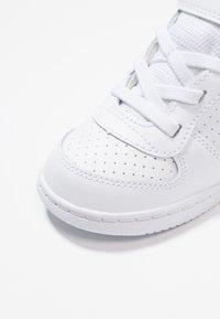 Nike Sportswear - COURT BOROUGH MID (TDV) - Sneakers alte - white - 2