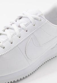 Nike Sportswear - CORTEZ BASIC  - Tenisky - white - 2