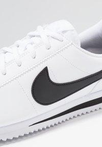 Nike Sportswear - CORTEZ BASIC  - Zapatillas - white/black - 2