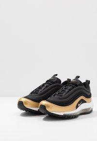 Nike Sportswear - AIR MAX 97 - Sneakers basse - black/metallic gold - 3