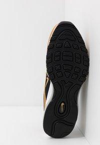 Nike Sportswear - AIR MAX 97 - Sneakers basse - black/metallic gold - 5