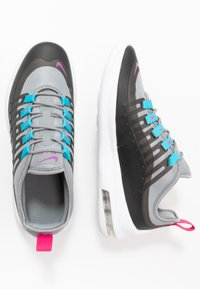 Nike Sportswear - AIR MAX AXIS - Sneakers basse - particle grey/purple/black/blue fury - 0
