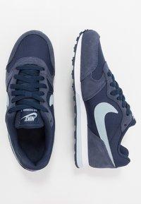 Nike Sportswear - MD RUNNER 2 PE  - Zapatillas - midnight navy/light armory blue - 0