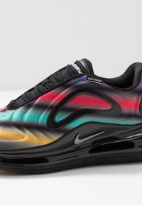 Nike Sportswear - AIR MAX 720 - Sneakers laag - black/metallic silver/university gold/flash crimson - 2