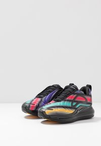 Nike Sportswear - AIR MAX 720 - Sneakers laag - black/metallic silver/university gold/flash crimson - 3
