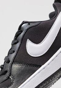 Nike Sportswear - COURT BOROUGH - Sneaker low - black/white - 2