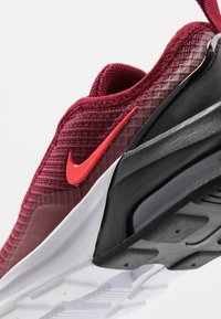 Nike Sportswear - AIR MAX MOTION 2 - Loafers - team red/bright crimson/black/white - 2