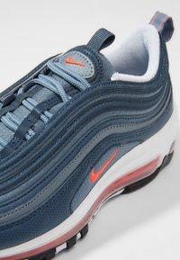 Nike Sportswear - AIR MAX 97 - Joggesko - monsoon blue/flash crimson - 5