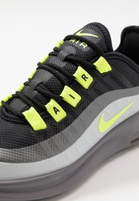 Nike Sportswear - AIR MAX AXIS - Baskets basses - black/volt/gunsmoke - 2