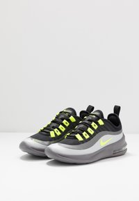 Nike Sportswear - AIR MAX AXIS - Baskets basses - black/volt/gunsmoke - 3
