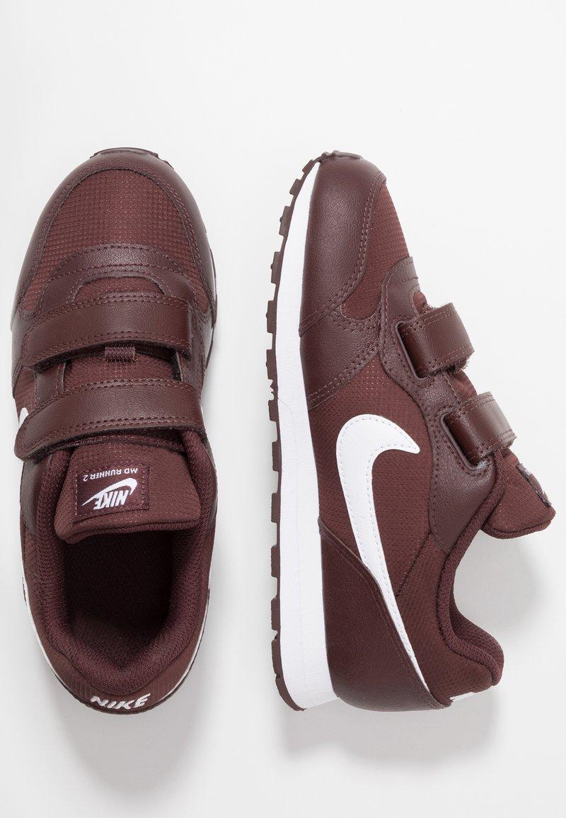 Nike Sportswear - MD RUNNER 2 - Sneakers - el dorado/white