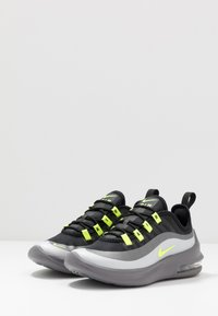Nike Sportswear - AIR MAX AXIS - Sneakers basse - black/volt/gunsmoke - 3