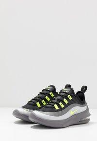 Nike Sportswear - AIR MAX AXIS - Sneakersy niskie - black/volt/gunsmoke - 3