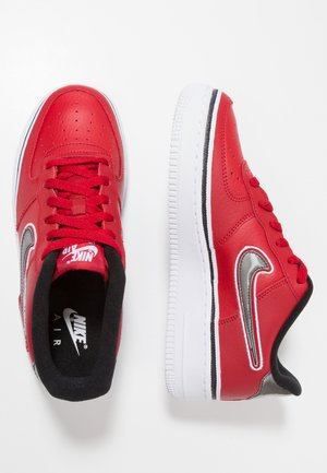 AIR FORCE 1 SPORT  - Matalavartiset tennarit - varsity red/black/white