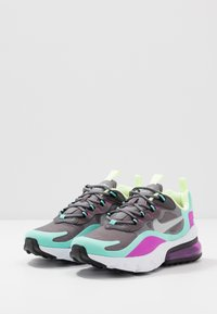 Nike Sportswear - AIR MAX 270 REACT - Sneakers laag - gunsmoke/reflect silver/aurora green/hyper violet/barely volt/thunder grey - 3