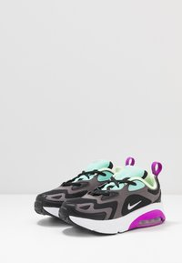 Nike Sportswear - AIR MAX 200 - Baskets basses - black/metalic silver/thunder grey/aurora green/hyper violet/barely volt - 3