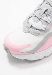 Nike Sportswear - NIKE AIR MAX 270 RT BP - Trainers - white/pink/light smoke grey/metallic silver - 2