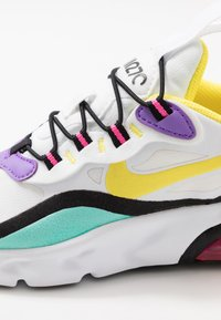 Nike Sportswear - AIR MAX 270 RT - Loafers - black/bicycle yellow/teal tint/violet star - 2