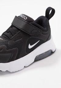 Nike Sportswear - AIR MAX 200 - Tenisky - black/white - 2