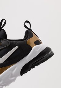 Nike Sportswear - AIR MAX 270 RT - Slippers - anthracite/white/black/metallic gold - 2