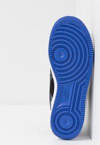 Nike Sportswear - AIR FORCE 1 LV8 - Baskets basses - black/dark grey-racer blue-mystic navy-white - 5