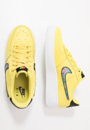 AIR FORCE 1 LV8 3 - Chaussures de skate - yellow pulse/black/white