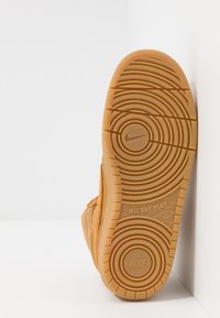 Nike Sportswear - COURT BOROUGH MID  - High-top trainers - wheat/medium brown - 5