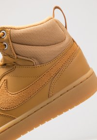 Nike Sportswear - COURT BOROUGH MID  - High-top trainers - wheat/medium brown - 2