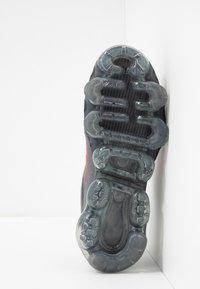 Nike Sportswear - AIR VAPORMAX 2019 - Sneakers basse - black/red - 5