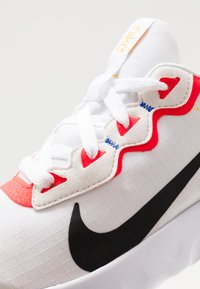 Nike Sportswear - EXPLORE STRADA - Tenisky - platinum tint/black/bright crimson/hyper royal - 2