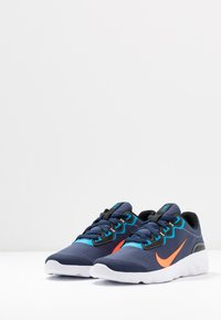 Nike Sportswear - EXPLORE STRADA - Tenisky - midnight navy/hyper crimson/laser blue/black - 2
