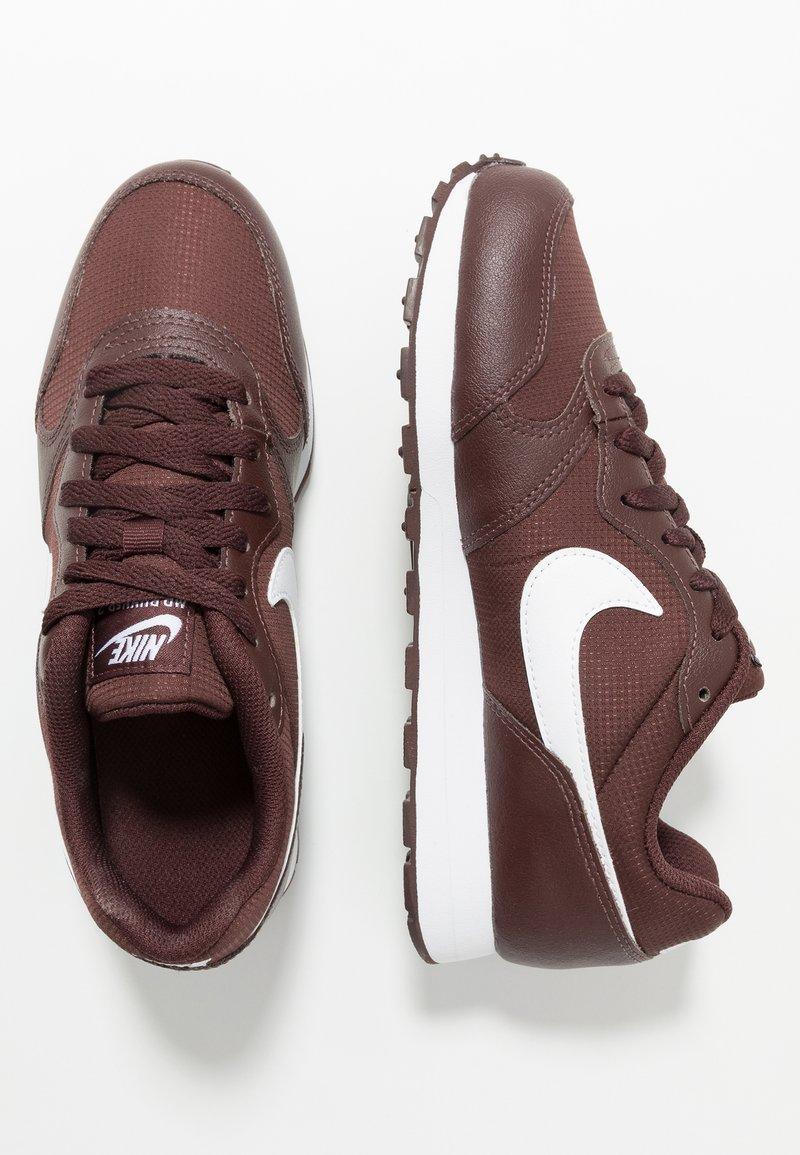 Nike Sportswear - RUNNER 2 - Zapatillas - el dorado/white