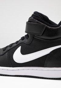 Nike Sportswear - COURT BOROUGH MID - Vysoké tenisky - black/white - 2
