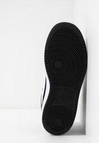 Nike Sportswear - COURT BOROUGH MID - Vysoké tenisky - black/white - 5