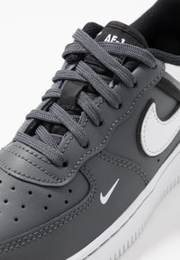 Nike Sportswear - FORCE 1 LV8  - Baskets basses - dark grey/black/white - 2