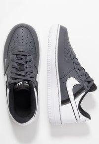 Nike Sportswear - FORCE 1 LV8  - Baskets basses - dark grey/black/white - 0