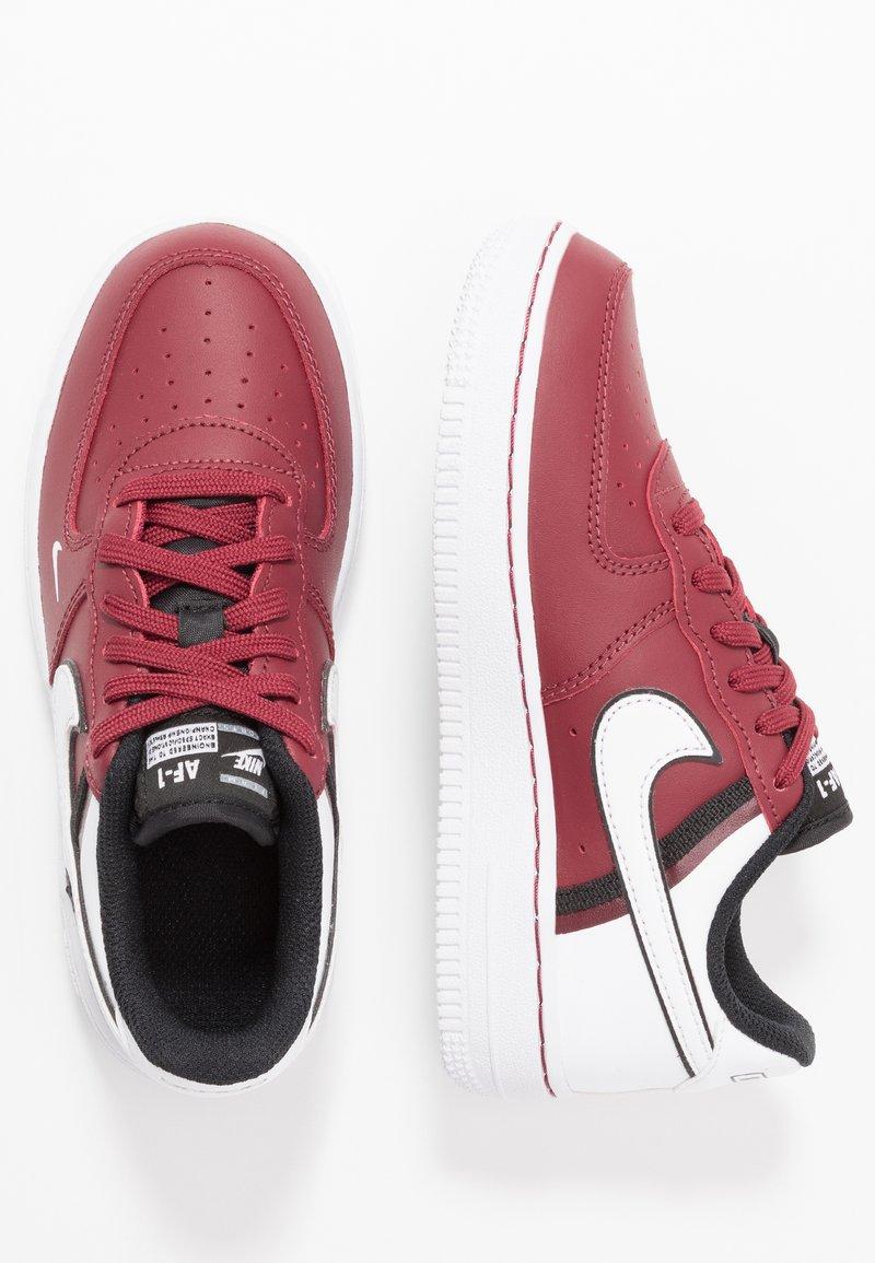 Nike Sportswear - FORCE 1 LV8  - Matalavartiset tennarit - team red/white/black