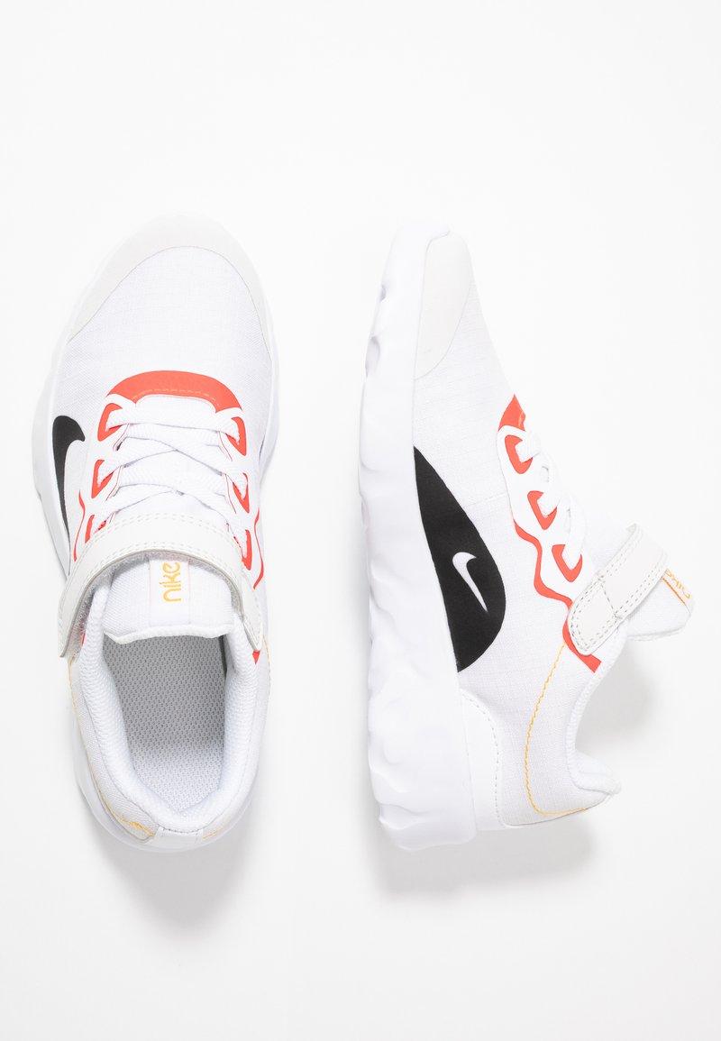 Nike Sportswear - EXPLORE STRADA - Sneakers laag - platinum tint/black/bright crimson/hyper royal