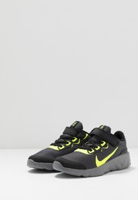 Nike Sportswear - EXPLORE STRADA - Trainers - black/volt/gunsmoke - 3