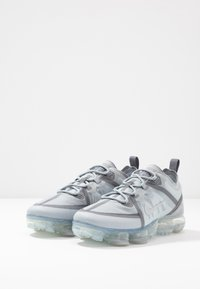 Nike Sportswear - AIR VAPORMAX 2019 - Sneakers basse - gunsmoke/wolf grey/pure platinum - 3