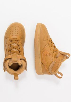COURT BOROUGH MID 2 BOOT - Sneakersy wysokie - wheat/medium brown