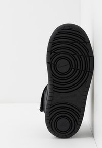 Nike Sportswear - COURT BOROUGH MID 2 BOOT - Baskets montantes - black - 5