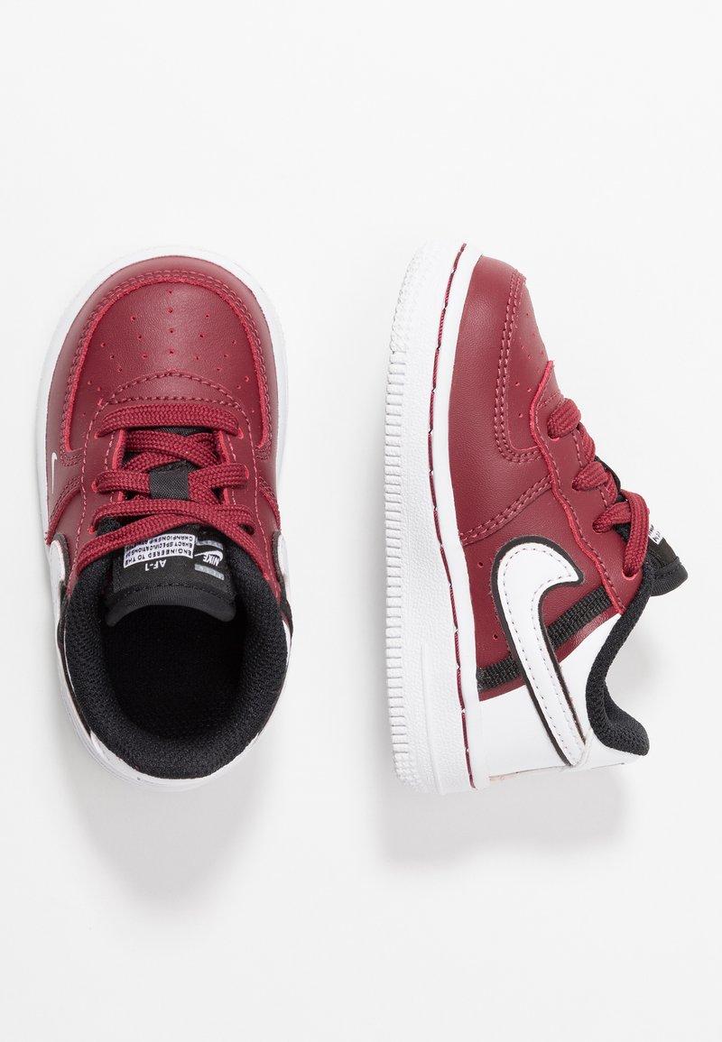 Nike Sportswear - FORCE 1 LV8  - Sneakers - team red/white/black