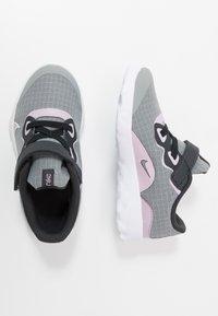 Nike Sportswear - NIKE EXPLORE STRADA BTV - Sneakers laag - off noir/iced lilac/smoke grey/white - 0
