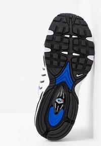 Nike Sportswear - AIR MAX TAILWIND - Sneakers basse - white/racer blue/summit white/vast grey/black - 5