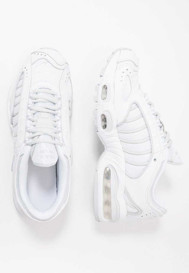 AIR MAX TAILWIND IV - Sneakersy niskie - white/pure platinum