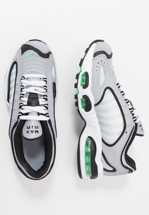 AIR MAX TAILWIND IV - Sneaker low - wolf grey/green spark/white/black