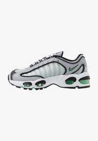 Nike Sportswear - AIR MAX TAILWIND IV - Trainers - wolf grey/green spark/white/black - 1